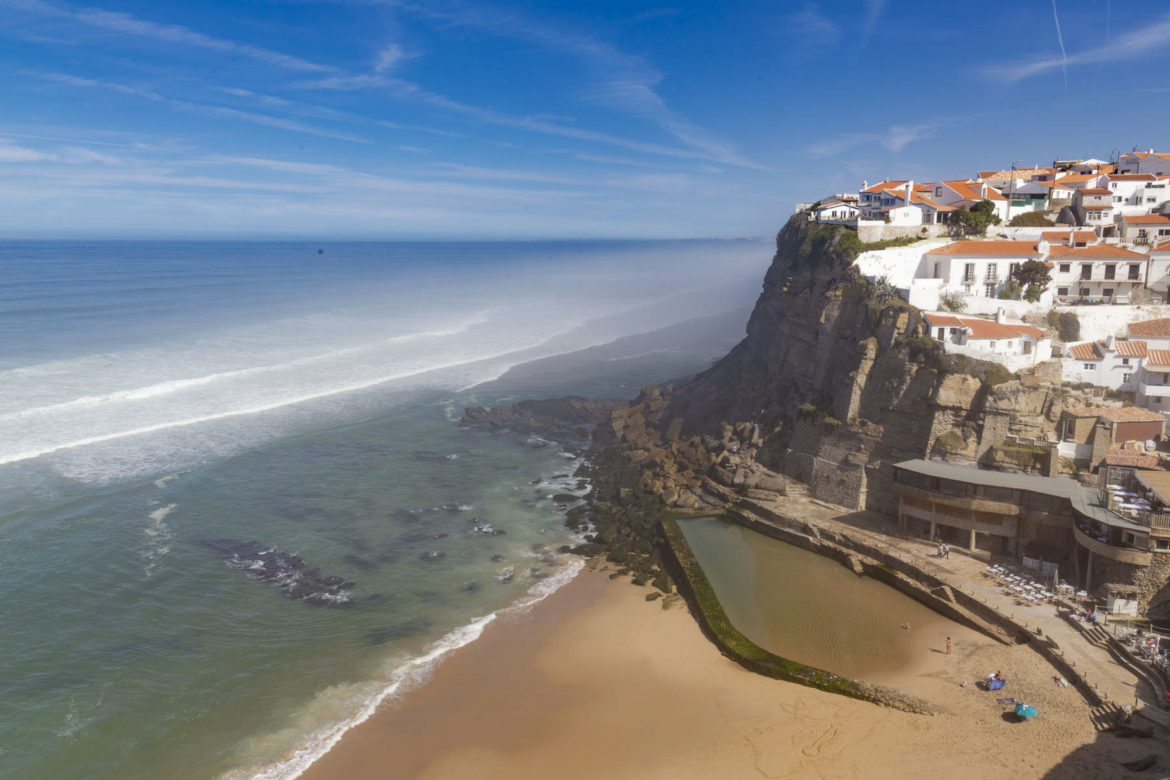 Praias mais lindas do mundo - Azenhas do Mar (Portugal)