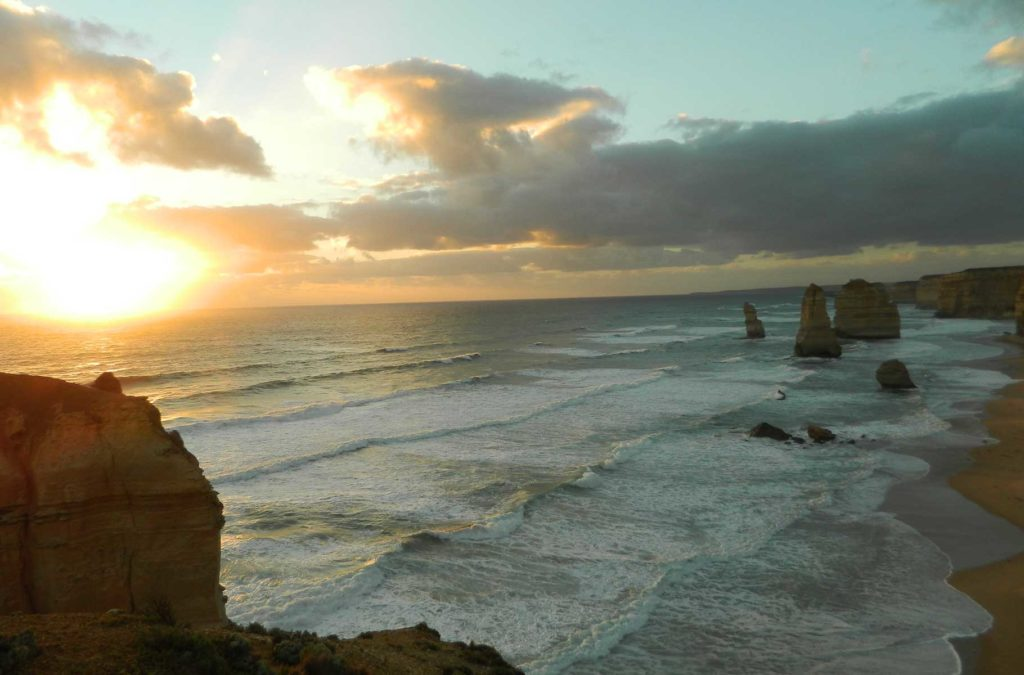 Pôr do sol pelo mundo - Twelve Apostles, na Great Ocean Road (Austrália)